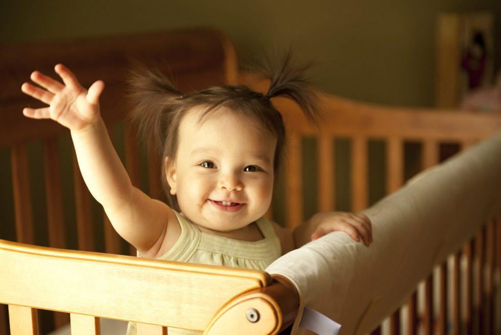 С какого возраста малышу нужна отдельная кровать?