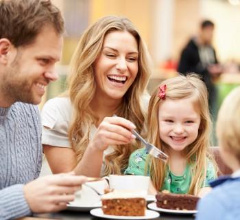 Монтессори-мама на семейном чаепитии
