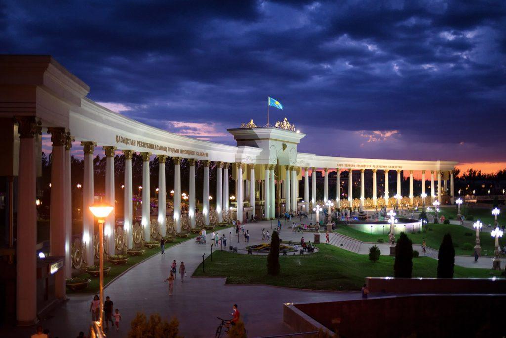 В Казахстане создали устройство, отслеживающее местонахождение детей