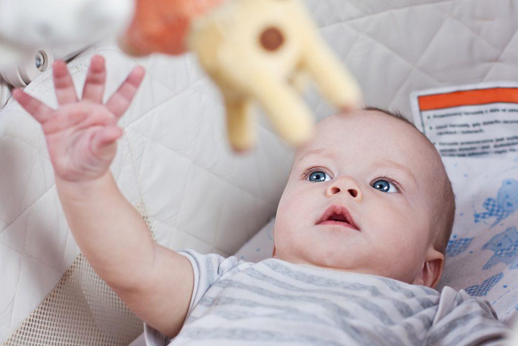 Как выбрать мобиль для новорождённого?