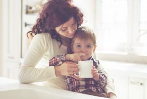 Монтессори-мама помогает ребёнку только тогда, когда он просит её об этом