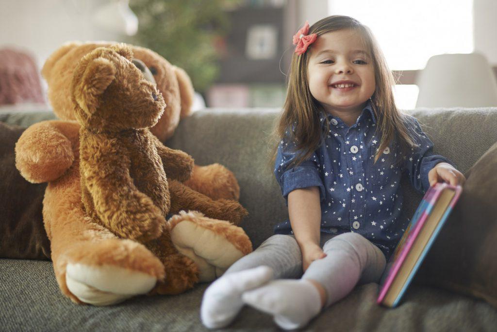 Как помочь ребёнку преодолеть страх общения?
