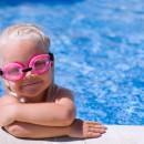 когда отдавать ребёнка в бассейн