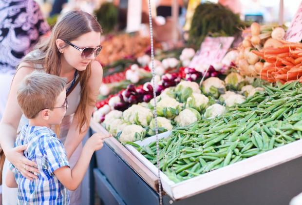 Семейный поход на рынок