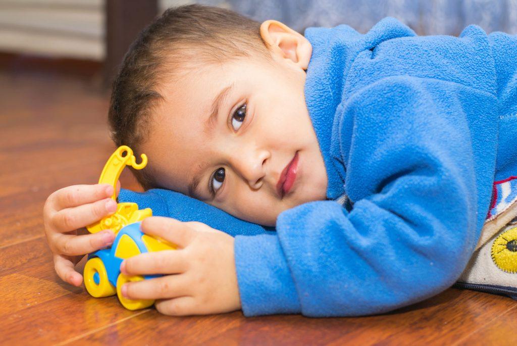Отказываться ли от игрушек дома при посещении Монтессори-сада