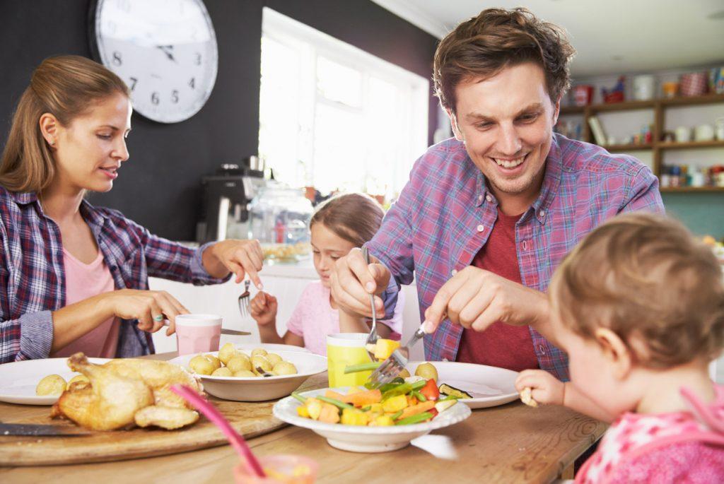 Как научить ребёнка правильно и красиво есть