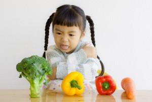 Заставлять ли ребёнка есть