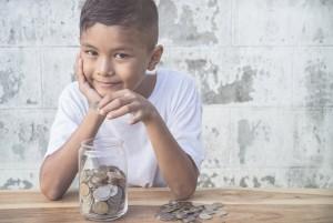 стоит ли давать деньги ребёнку