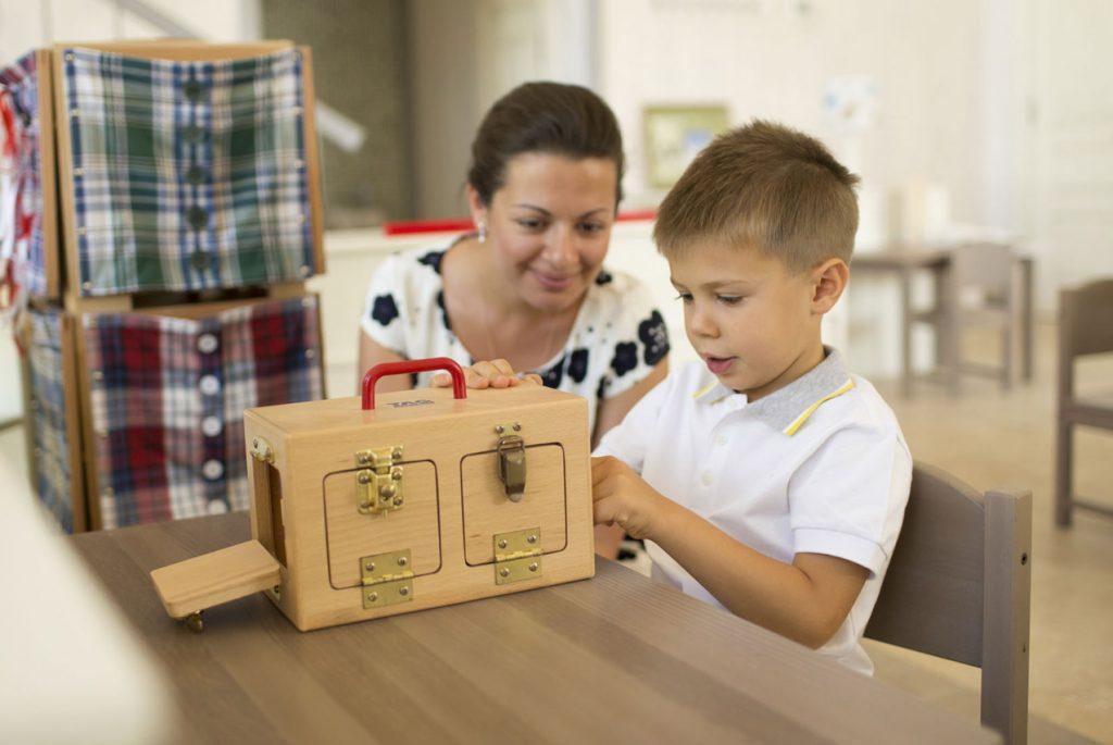 Почему важно взаимодействовать с ребёнком на одном «уровне»?