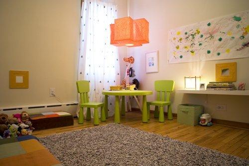 Монтессори-комната мальчика Винсента: мебель по росту ребёнка