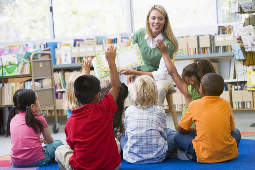 Обращение на «ты» к педагогу в среде Монтессори