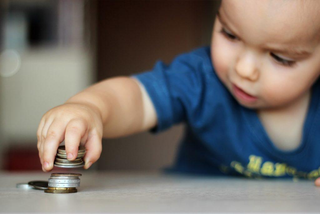 Нужны ли деньги малышу