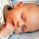 Как укладывать малыша спать