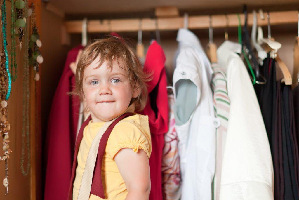 Как научить ребёнка самостоятельно одеваться