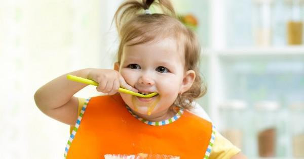 Как научить ребёнка кушать самостоятельно