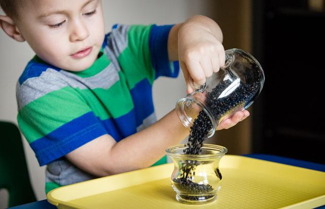 Упражнения с крупами для детей до трёх лет