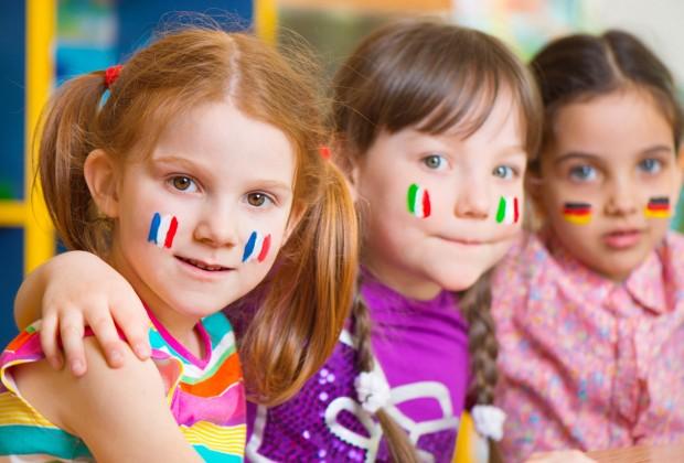 учить ребёнка иностранному языку