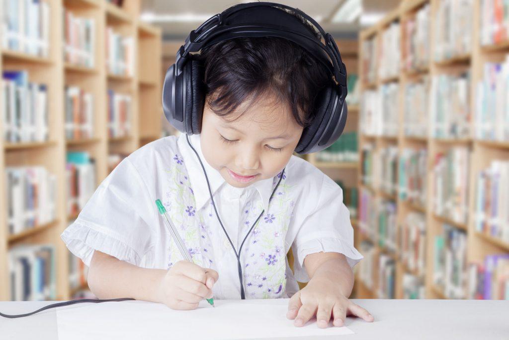 когда учить ребёнка иностранному языку