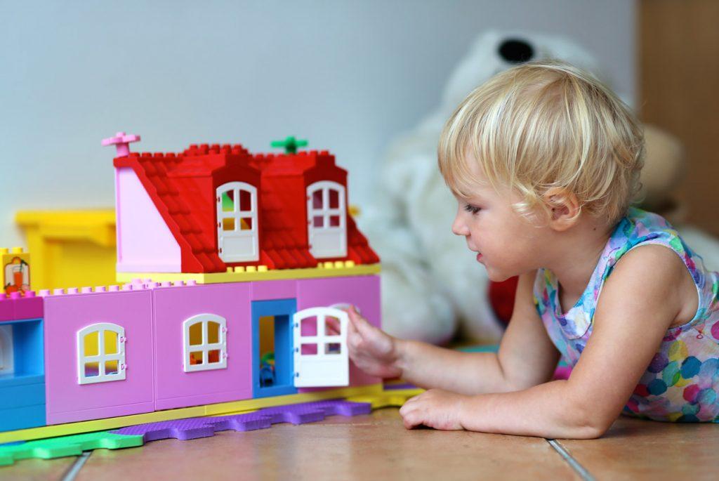 детские игрушки в Монтессори-садах