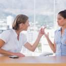 Две женщины спорят