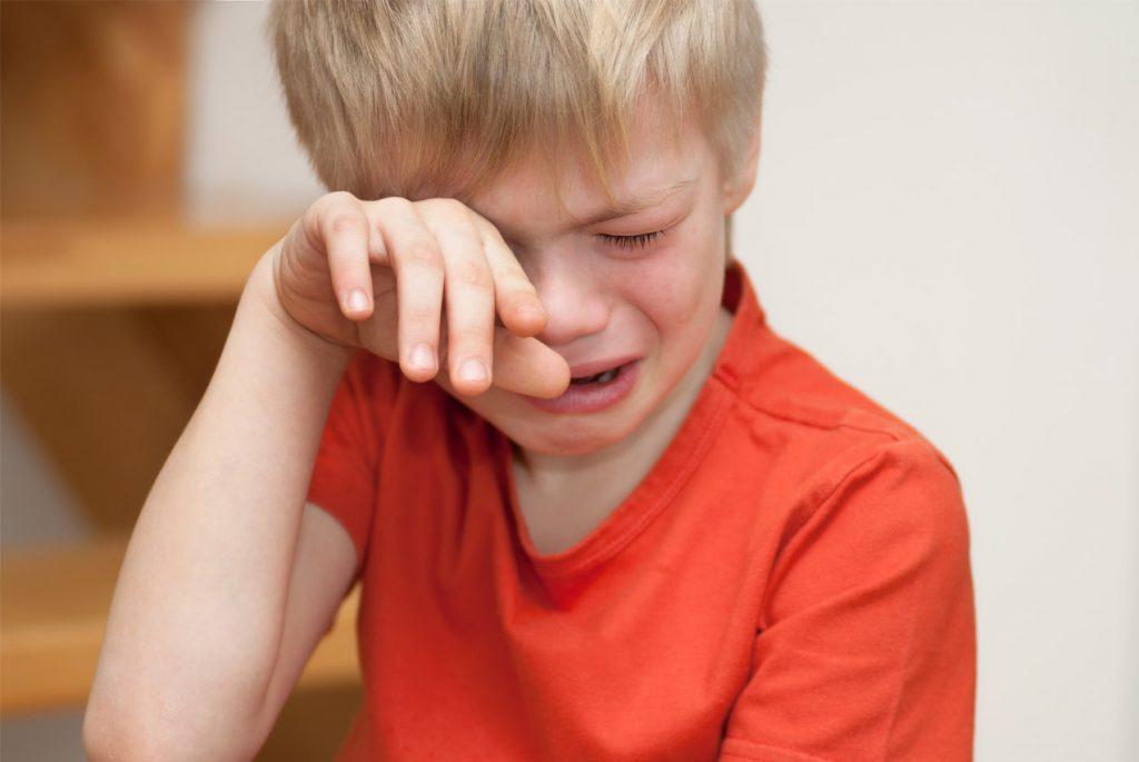 Слёзы как манипуляция?