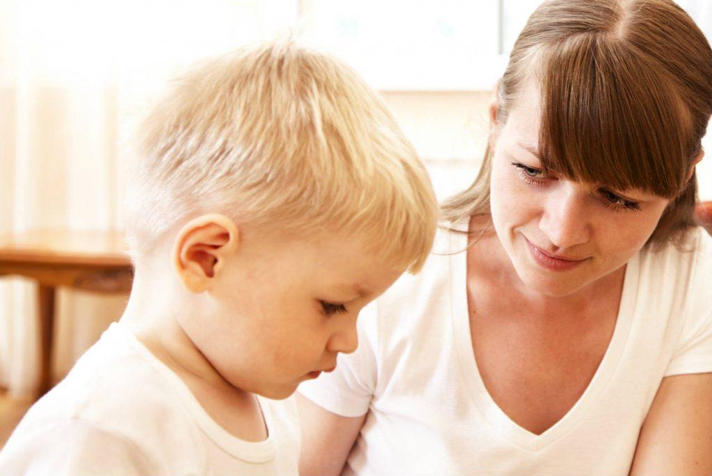Что делать, если ребёнок мешает окружающим?