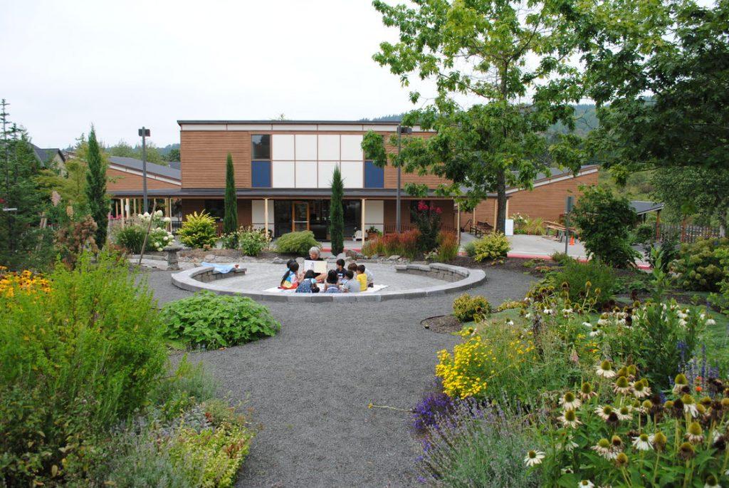 Монтессори-школа Бивертона: обучение в единстве с природой