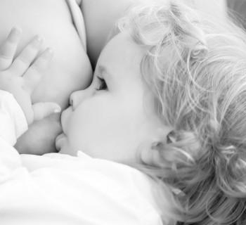 как научить ребёнка засыпать без груди