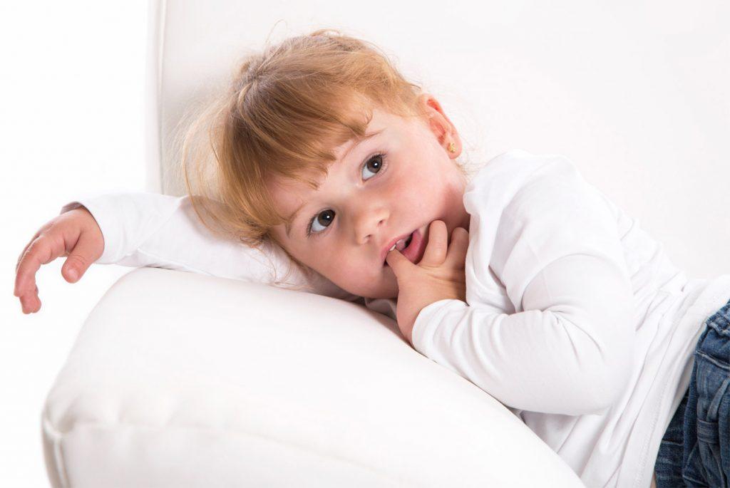Как помочь ребёнку преодолеть зависимость от чужого мнения