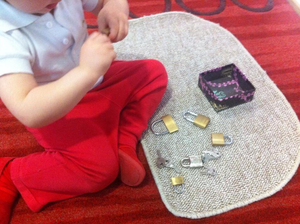 Игры с ключиками и замочками