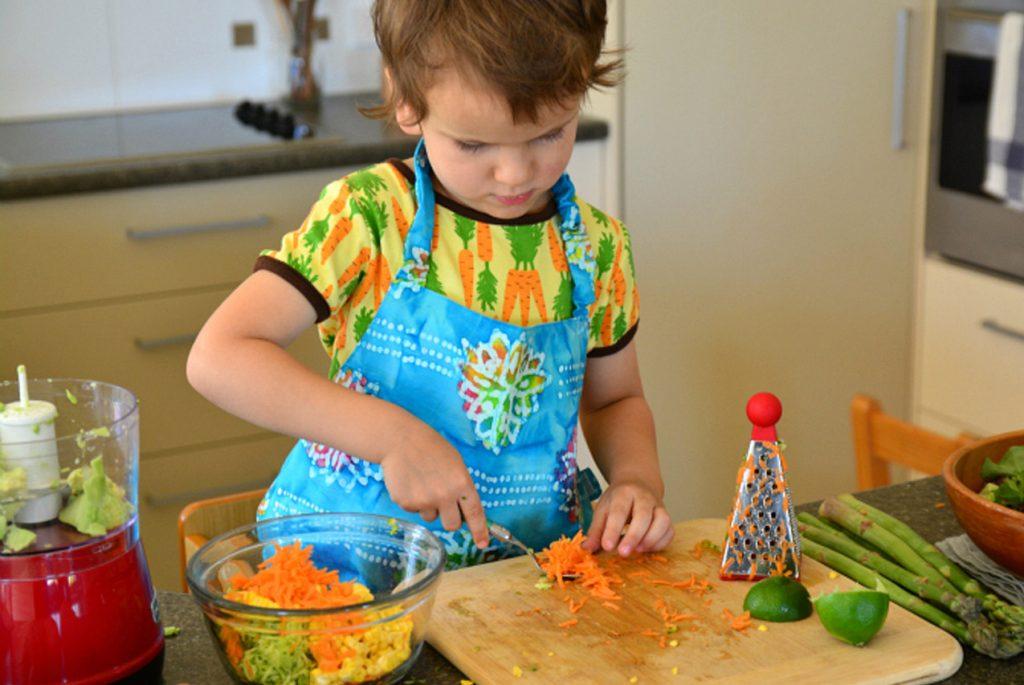 10 советов тем, кто готовит с детьми