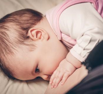 научить малыша засыпать без груди