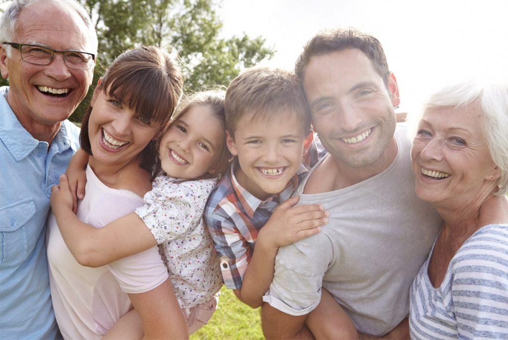 Картинка с изображением всей семьи