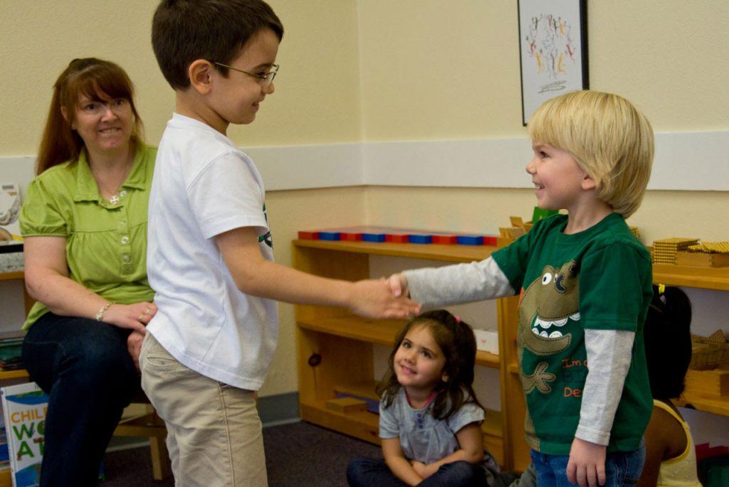Учимся общаться: социализация ребёнка