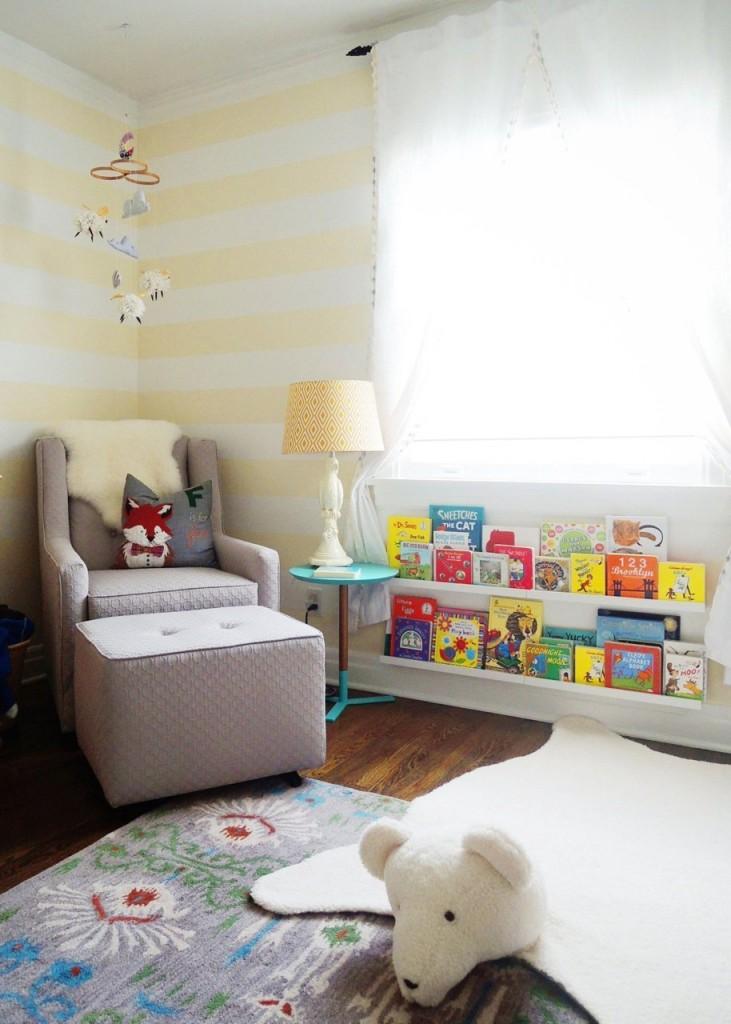 кресло в детской комнате