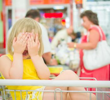 ребёнок в магазине
