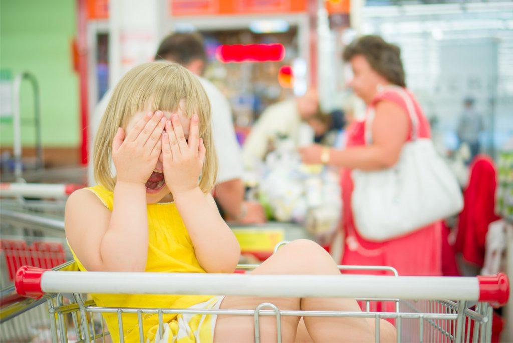 Что делать, если ребёнок устроил истерику в магазине?