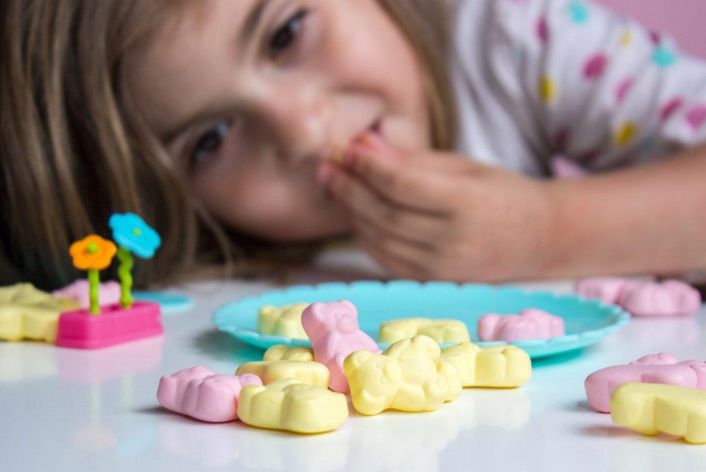 Как ограничить ребёнка в потреблении сладкого?