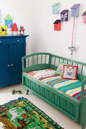 Яркие вещи в дизайне детской