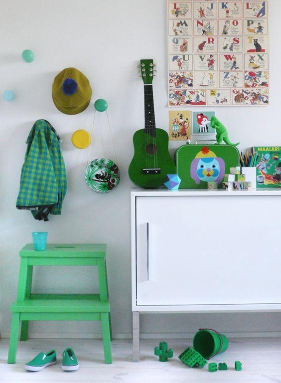 Яркие вещи в дизайне детской комнаты