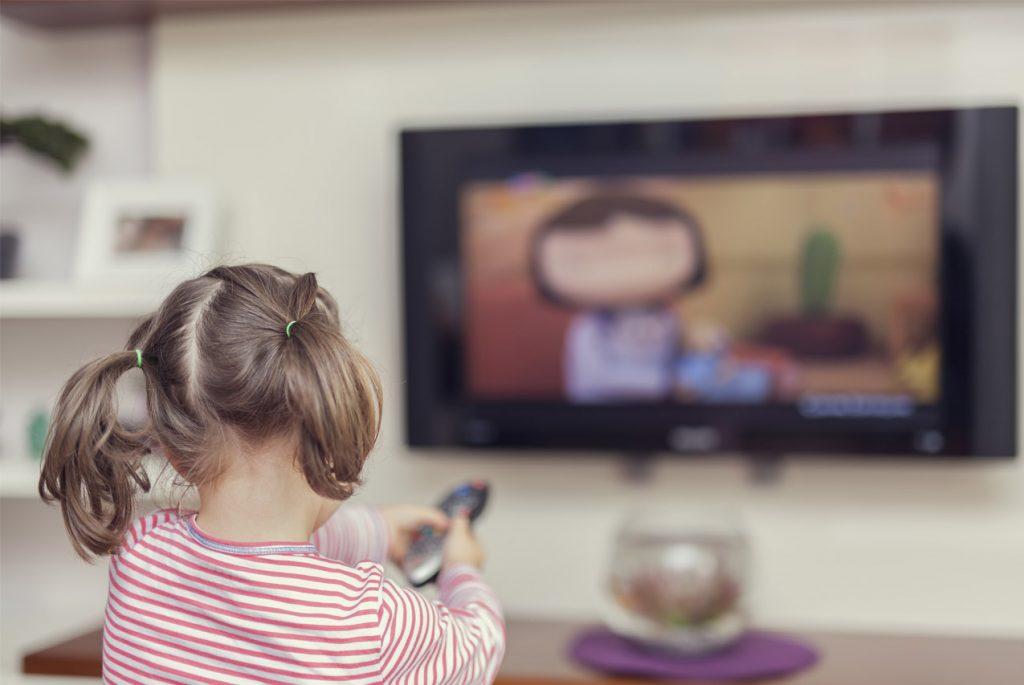 Раннее детство без телевизора: создаём среду