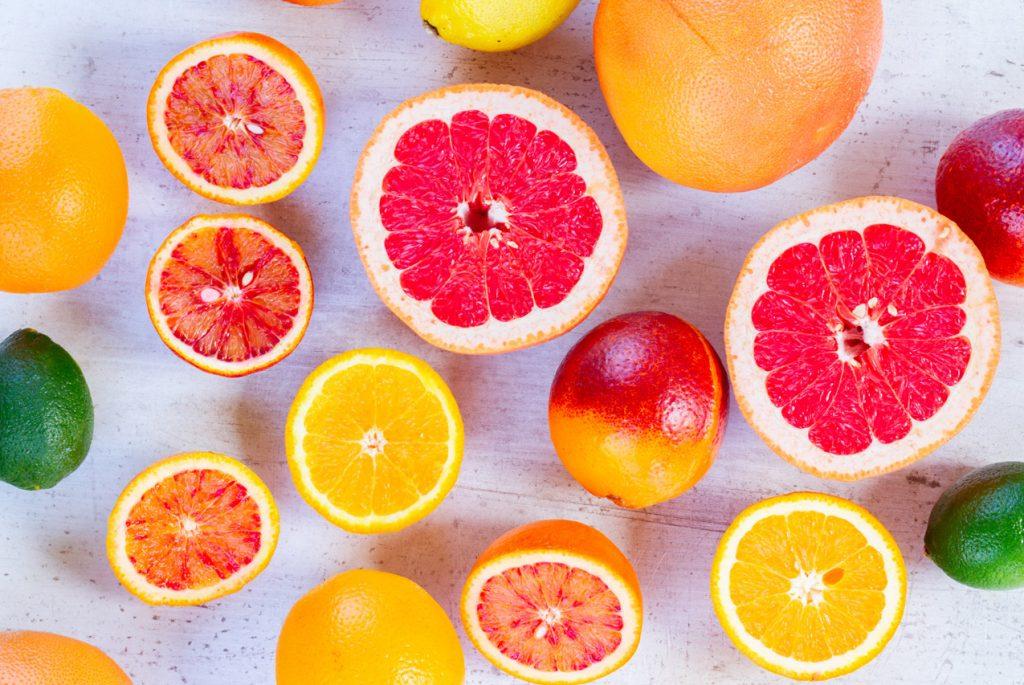 Игра «Найди пару»: целый и разрезанный фрукт