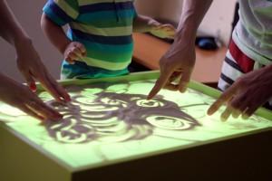 песочная анимация в детской