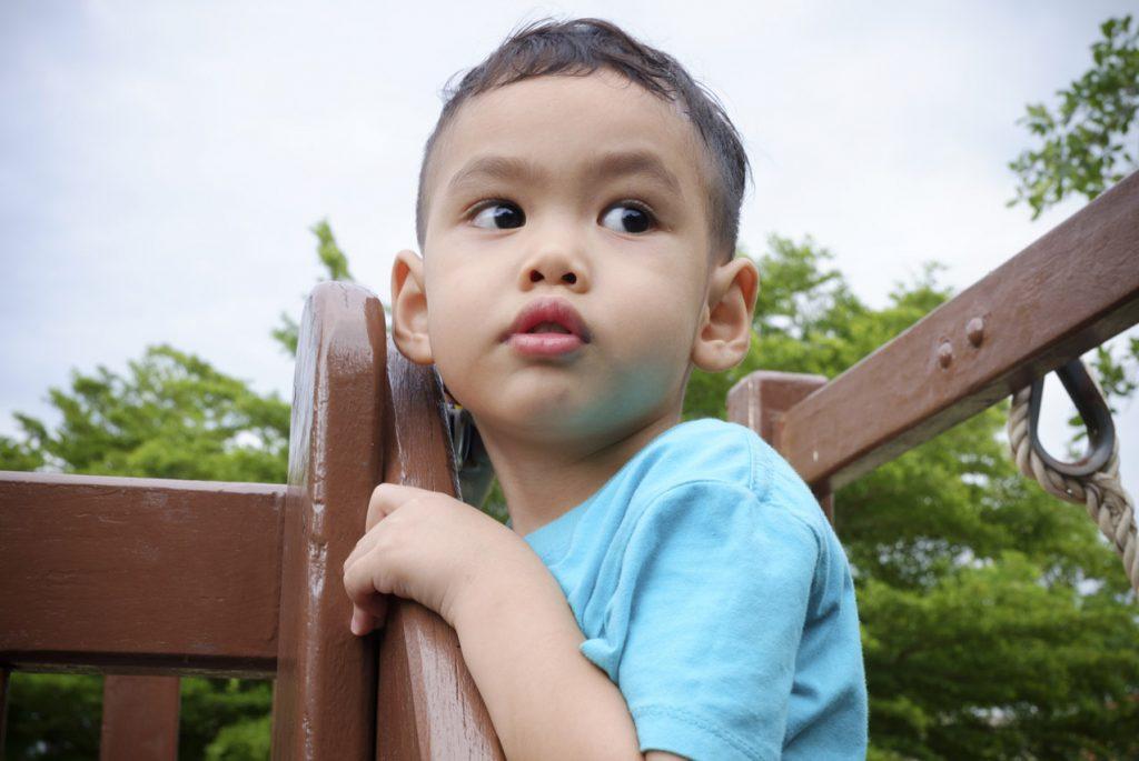Как ребёнку наладить контакт со сверстниками?