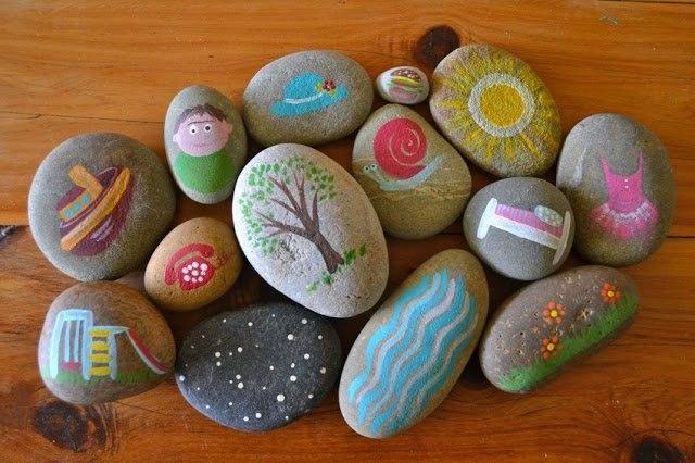 Роспись камушков для сочинения историй