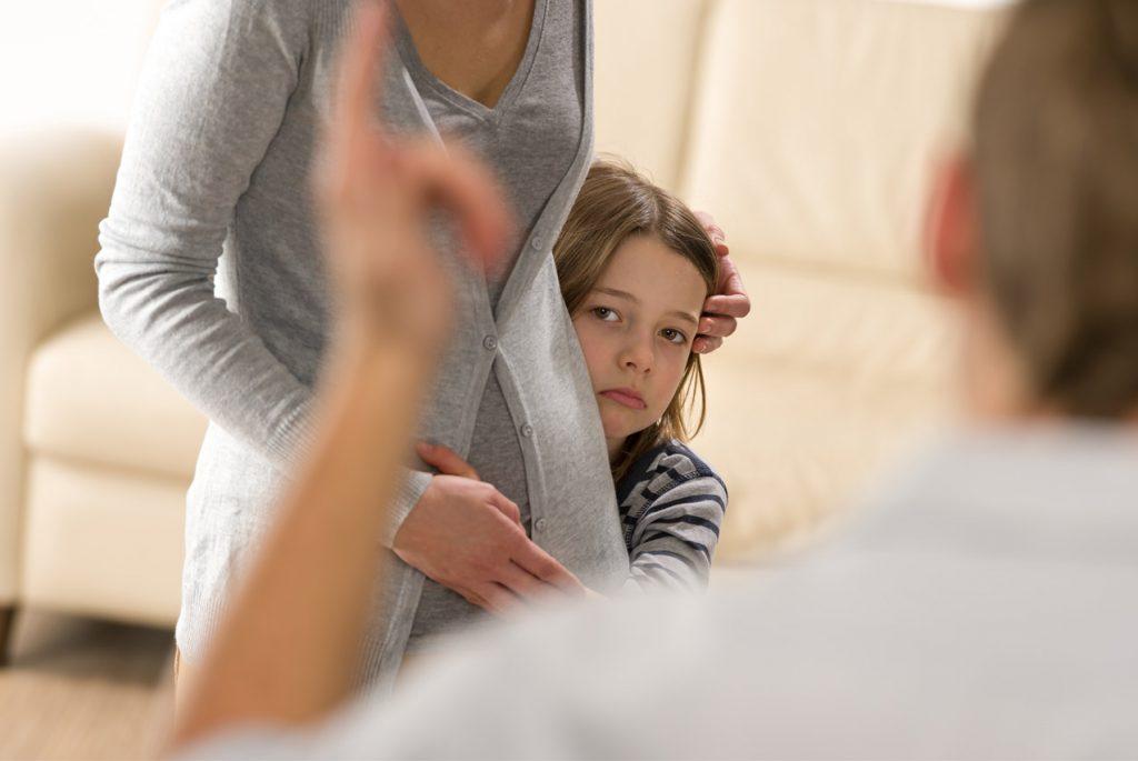 В каком случае общение с родителем во вред ребёнку?