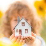 Жить на два дома: вред или благо