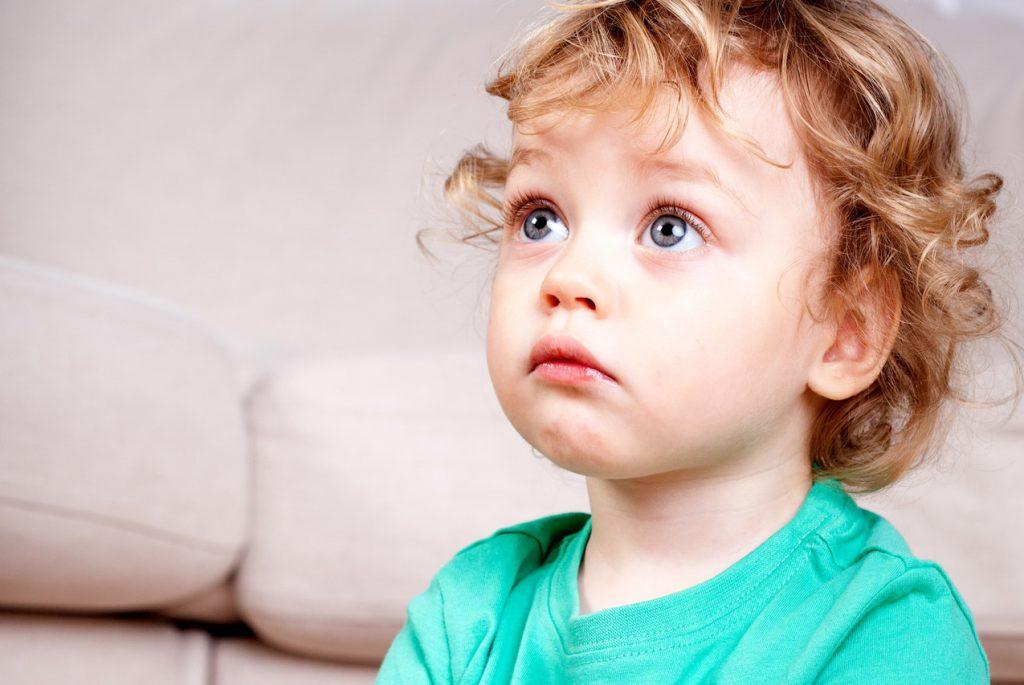 Надо ли рассказывать ребёнку о смерти близкого?