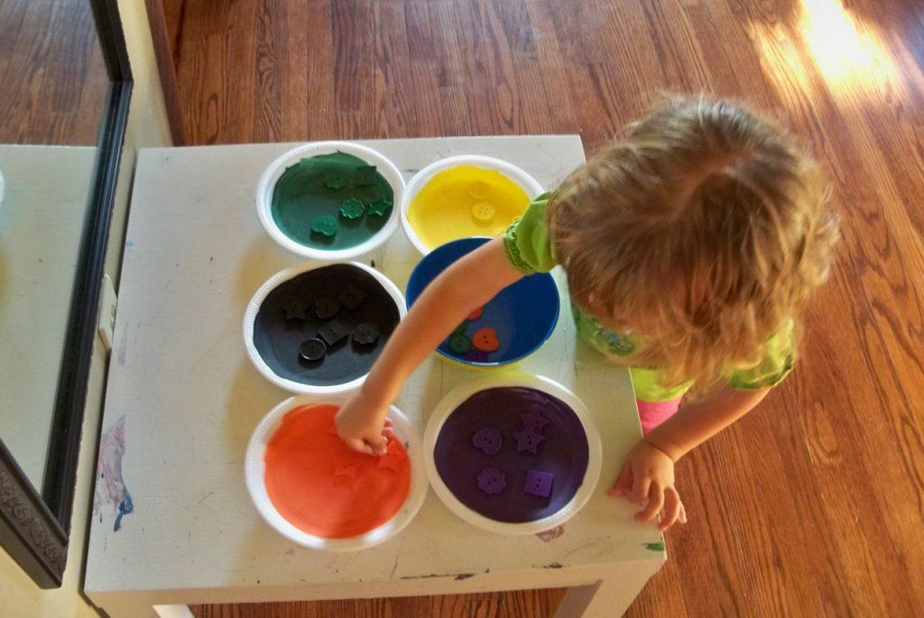 Раннее детство без телевизора: идеи занятий по Монтессори