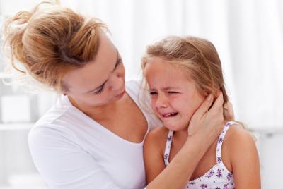 что делать, когда ребёнок плачет